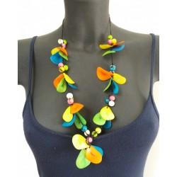 Collana in petali di tagua multicolore